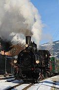 Foto zeigt: Weihnachtsdampfzug auf der Pinzgaubahn