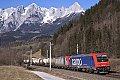 Foto zeigt: SBB-Cargo 482.036 und SETG 482.042 mit Kesselzug (Giselabahn)