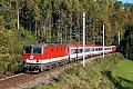 Foto zeigt: 1044.057 mit REX 3410 (Salzkammergutbahn)