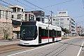 Foto zeigt: Straßenbahnen in Japan: Modernes