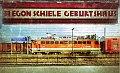 Foto zeigt: 1142.637 schiebt REX 2821 aus Bahnhof Tulln / Egon Schieles Geburtshaus