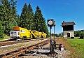 Foto zeigt: Swietelsky Schmalspur-Bauzug MFC 15 ATW in der Ausfahrt Bhf Alt-Nagelberg (Gmünd - Litschau)