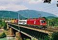 Foto zeigt:1016.050, RoLa 42903, Villach Draubrücke (Tauernachse), 28.07.2001