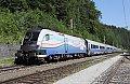 Foto zeigt: Verkehrte, bunte RailJet`s!