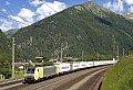 Foto zeigt: Bunte Abwechslung vor den EKOL-Zügen auf der Tauern-Südrampe
