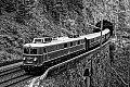 Foto zeigt: SW-Foto von 1110.505 mit SR 14276, beim Weinzettelfeld-Tunnel (Semmeringbahn)