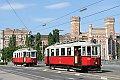 Foto zeigt:Jubiliäumszug Type M 4023 + 4082 als Linie 33, Augartenbrücke (Straßenbahn Wien), 4. Juni 2017