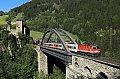 Foto zeigt: 1144 auf der Trisannabrücke