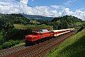 am Foto: 1020.018 mit Sonderzug bei Loifarn (Tauernbahn-Nordrampe), 02.06.2018