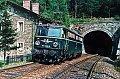 am Foto: 1042.044 als Lokzug beim Portal des Pettenbachtunnel nächst Küb (Semmeringbahn), 14.08.1988