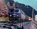 am Foto: 1042.509 mit ÖBB-Flügelrad, E 651, Bahnhof Semmering (Semmeringbahn), 18.10.1984