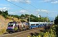 """Foto zeigt:Polizei und """"SkiTeamAustria"""" auf der Tauernbahn"""