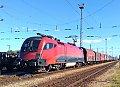 Foto zeigt: RailJet 1116 vor Güterzug