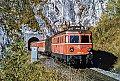 am Foto: 1046.18 mit Personenzug beim Portal des Hieflauer Tunnel (Geäusebahn)