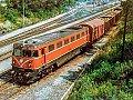 Foto zeigt: 2050.08 mit Güterzug im Bahnhof Marchegg, 19.07.1983