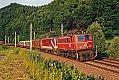 Foto zeigt: 1040.008 vor 1010.016 mit G 60665 bei Niklasdorf (Südstrecke), 20.06.2000