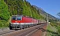 Foto zeigt: 1144-Tandem mit Semmering-Umleiter auf der Tauernbahn