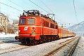 am Foto: 1018.08, Personenzug, Bf Stainach-Irdning (Ennstalbahn), 20.01.1982