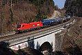 """Foto zeigt:1116.001 """"Rail Cargo Hungaria"""" mit Kesselwagen-Ganzzug bei Eugendorf"""