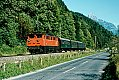 Foto zeigt: 1670.27 mit Personenzug kurz vor Bludenz (Arlbergbahn), 25.09.1978
