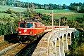 Foto zeigt: 1042.675 mit Regionalzug am Wagnergraben Viadukt (Semmering 1988)